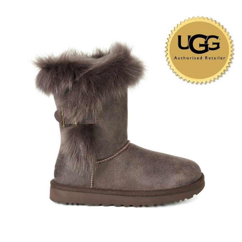 f53dd6e702e UGG Women's Deena Boot