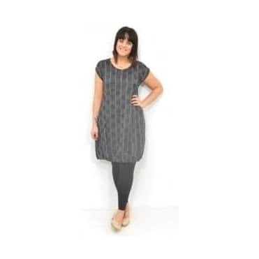 Hadia Sleeveless Fitted Tunic