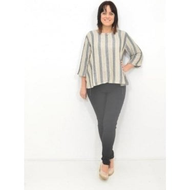 Dea A-Shaped Wing Sleeved Top